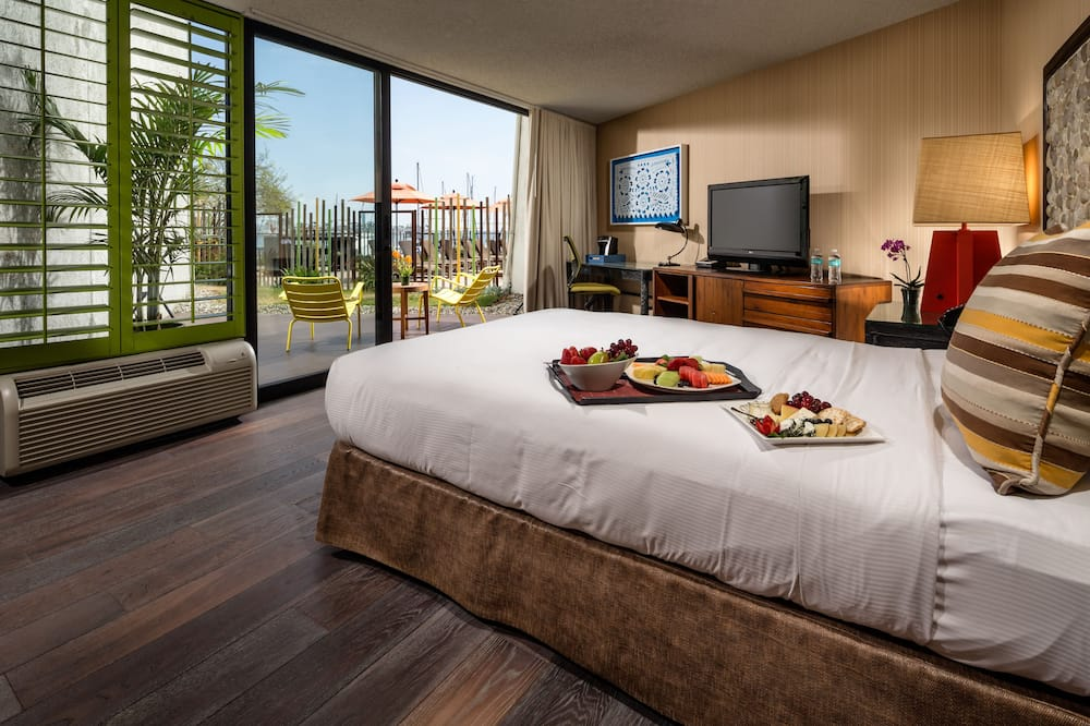 Habitación, 1 cama de matrimonio, no fumadores (Mobility & Hearing, Roll-in Shower) - Habitación