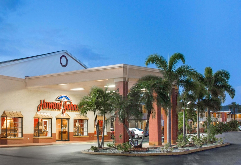 Howard Johnson by Wyndham Ft. Myers FL, Fort Myers