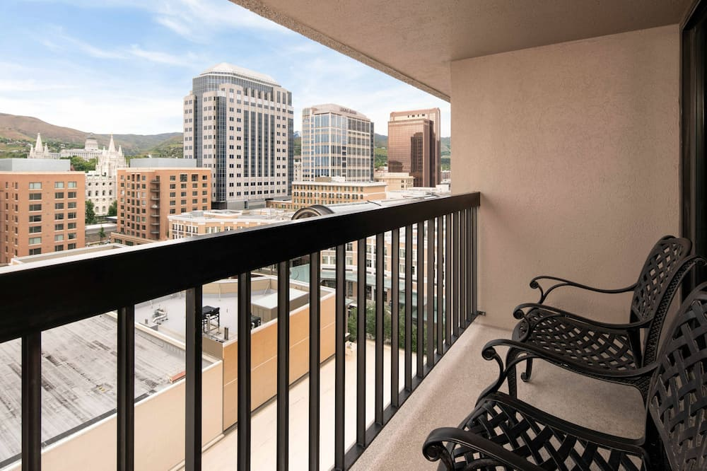 Номер «Делюкс», 2 двуспальные кровати «Квин-сайз», для некурящих - Балкон