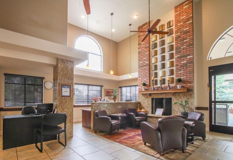 GreenTree Inn Flagstaff, Flagstaff, Sitzecke in der Lobby