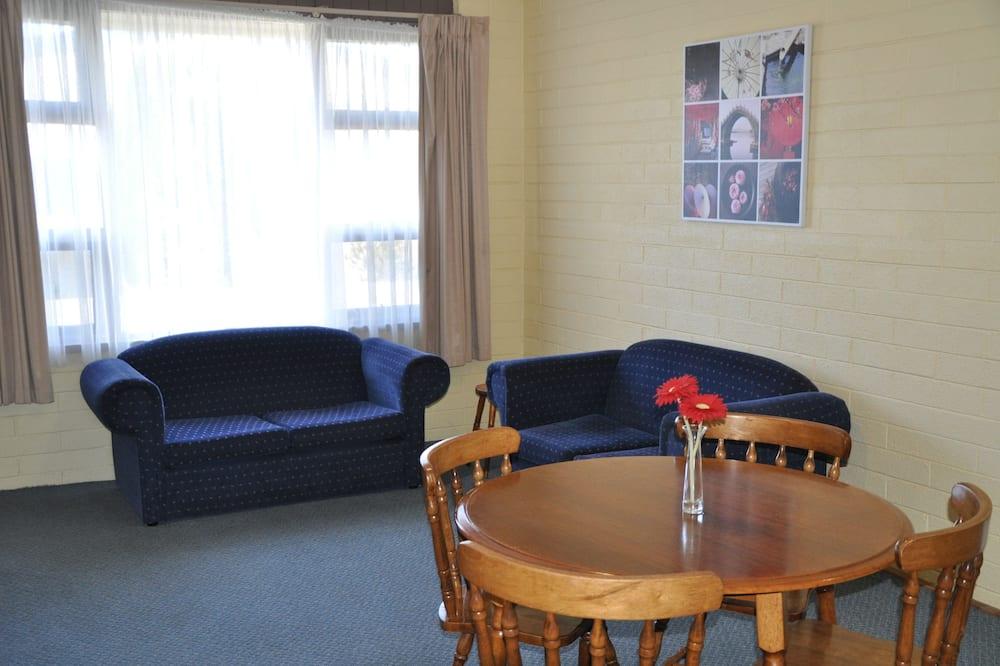 Standard Apartment, 2 Bedrooms, Non Smoking - Ruang Tamu