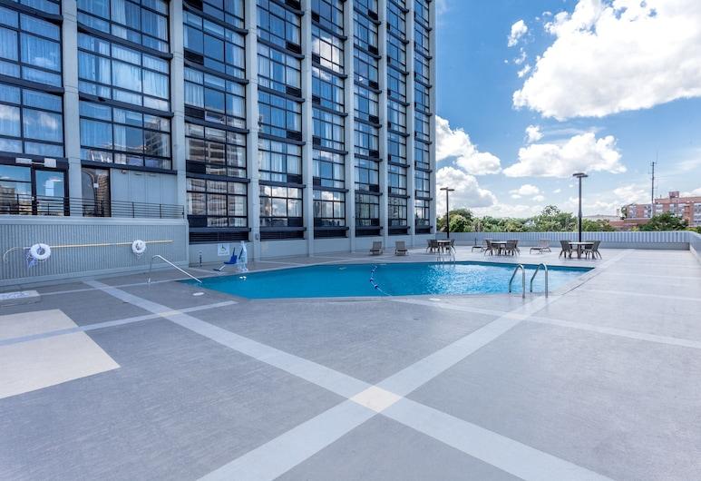 Holiday Inn Chicago North-Evanston, an IHG Hotel, Evanston, Pool
