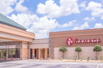 Picture of Ramada by Wyndham Macon in Macon