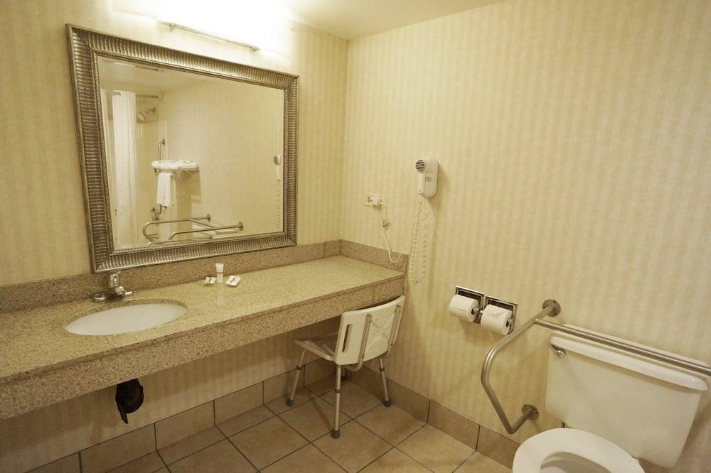 Habitación, 1 cama King size, con acceso para silla de ruedas, para no fumadores - Baño