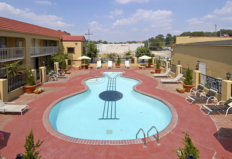 Days Inn by Wyndham Memphis at Graceland, Memphis, Pool