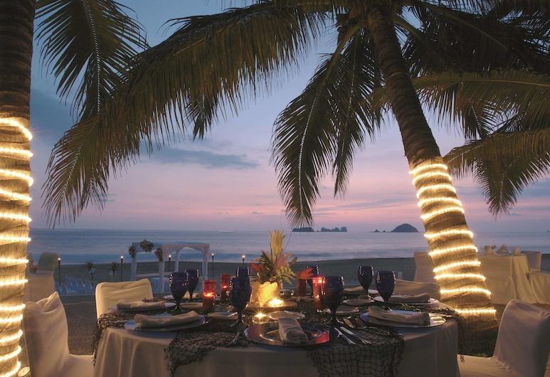 伊斯塔帕帝王飯店, 伊斯塔帕, 海灘
