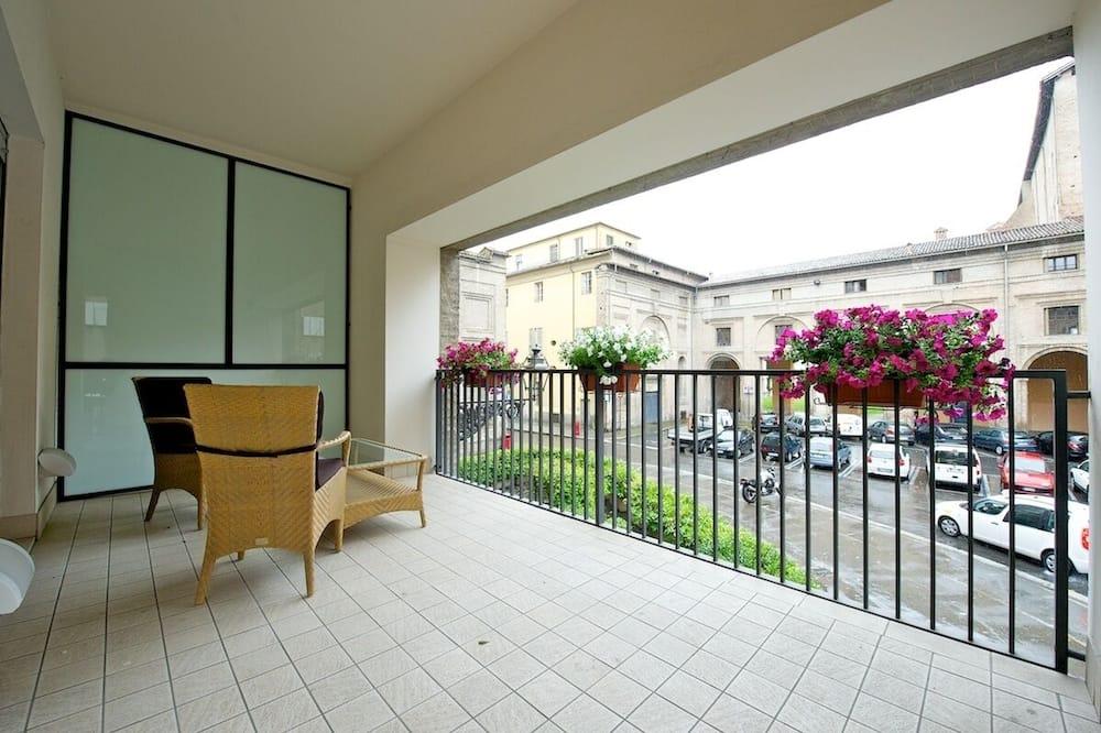 Pokoj Deluxe s dvojlůžkem, dvojlůžko - Výhled z balkonu