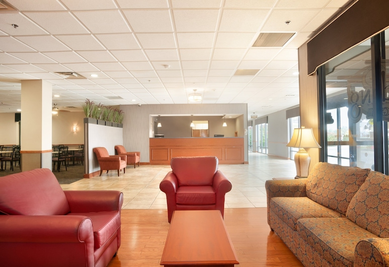 Days Hotel by Wyndham Buffalo Airport, Баффало, Фойє