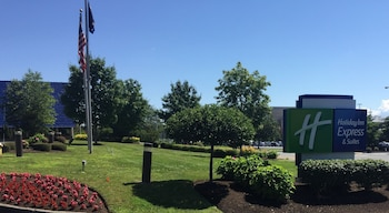 Picture of Holiday Inn Express and Suites Albany Airport- Wolf Road in Albany