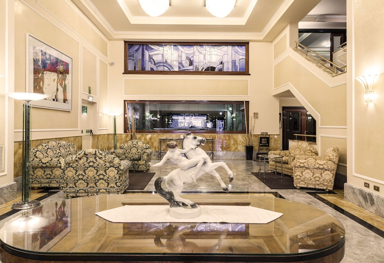 Doria Grand Hotel, Milan, Lobby