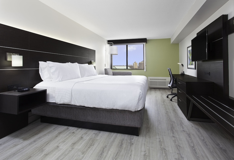 Holiday Inn Express & Suites Mississauga-Toronto Southwest, Mississauga, Executive Room, 1 King Bed, Non Smoking, Guest Room