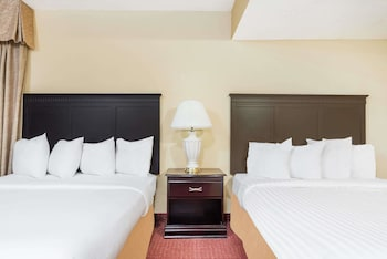 Picture of Hawthorn Suites by Wyndham Columbus North in Columbus