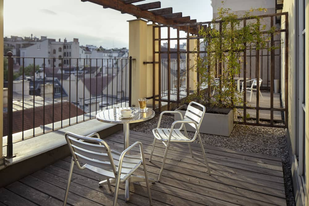 Spacious With Terrace - Terrace/Patio