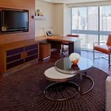 Executive Suite, City View - Living Room
