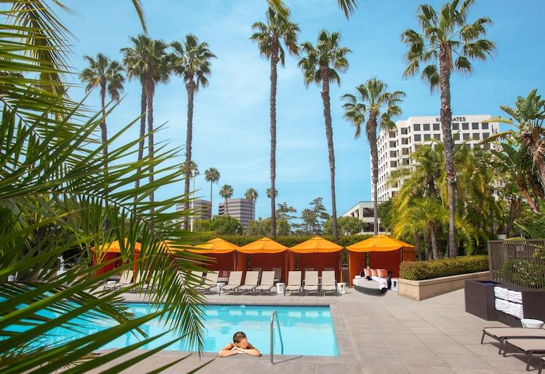 Hotel Irvine, Irvine, Outdoor Pool