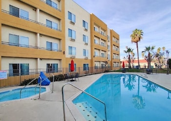 Picture of Ramada by Wyndham Bakersfield North in Bakersfield
