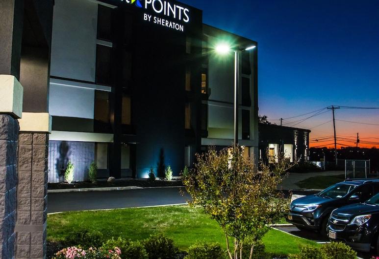 Four Points by Sheraton Allentown Lehigh Valley, אלנטאון, קבלה