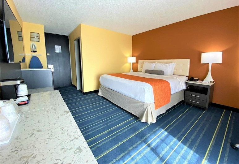 Howard Johnson by Wyndham Clifton NJ, Clifton, Standard Room, 1 King Bed, Guest Room