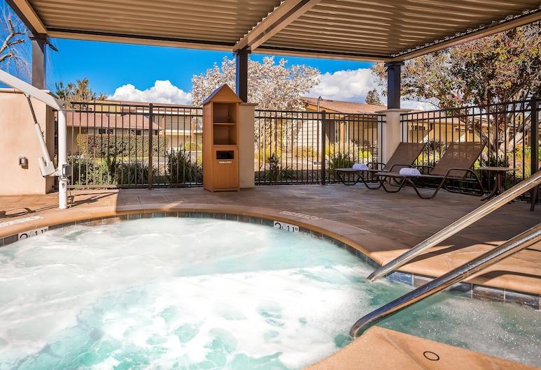 西方最佳花園飯店, 聖羅莎, 游泳池
