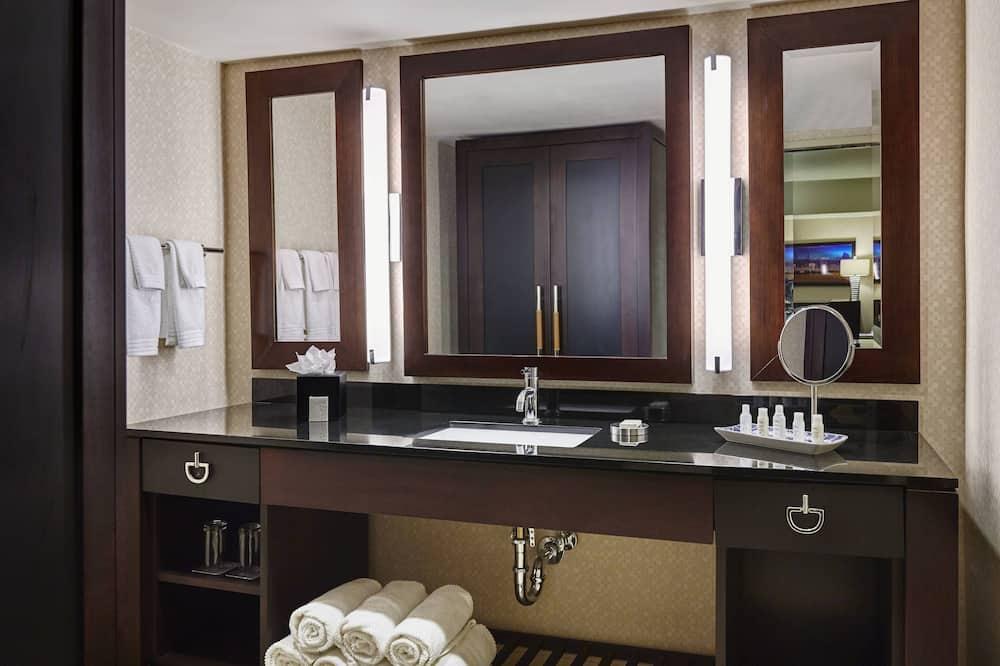 Apartmán typu Executive, 1 extra veľké dvojlôžko, nefajčiarska izba - Kúpeľňa