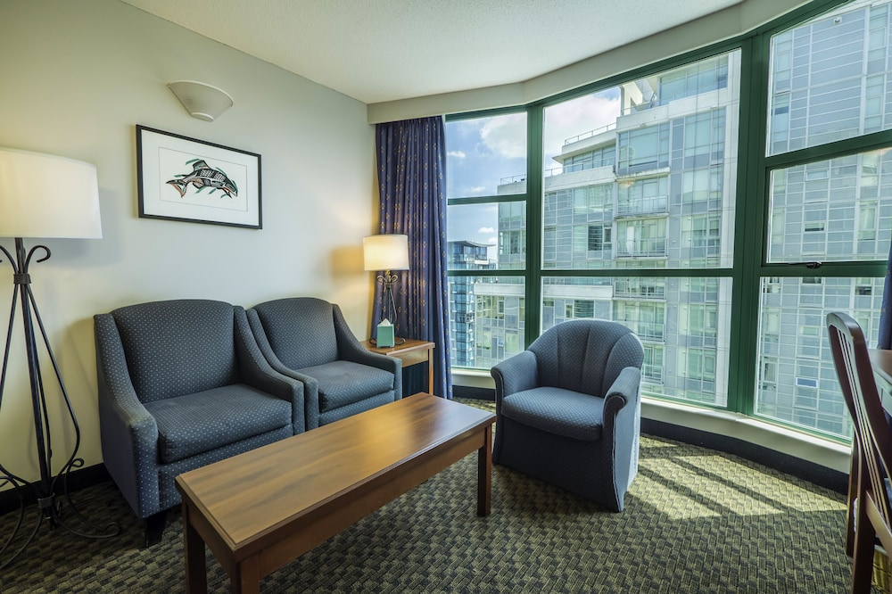 Rosedale On Robson Suite Hotel in Vancouver - Hotels.com
