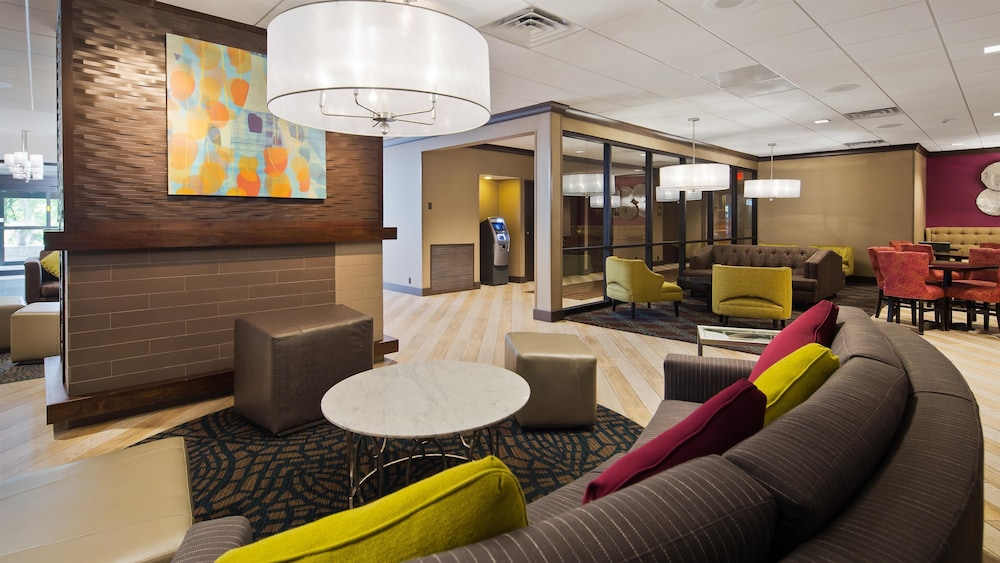 Best Western Plus Kingston Hotel And Conference Center Lobby