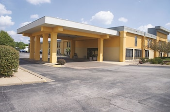 Picture of La Quinta Inn Davenport & Conference Center in Davenport