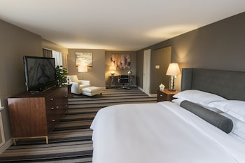 Enter your dates to get the Milwaukee hotel deal