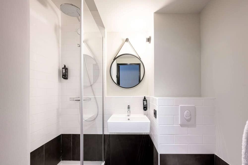 Standard-Doppelzimmer, 1Doppelbett und Schlafsofa - Badezimmer