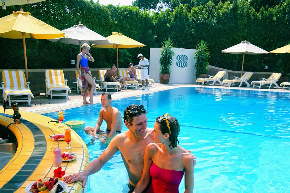 Superior Queen or Twin - Poolside Bar