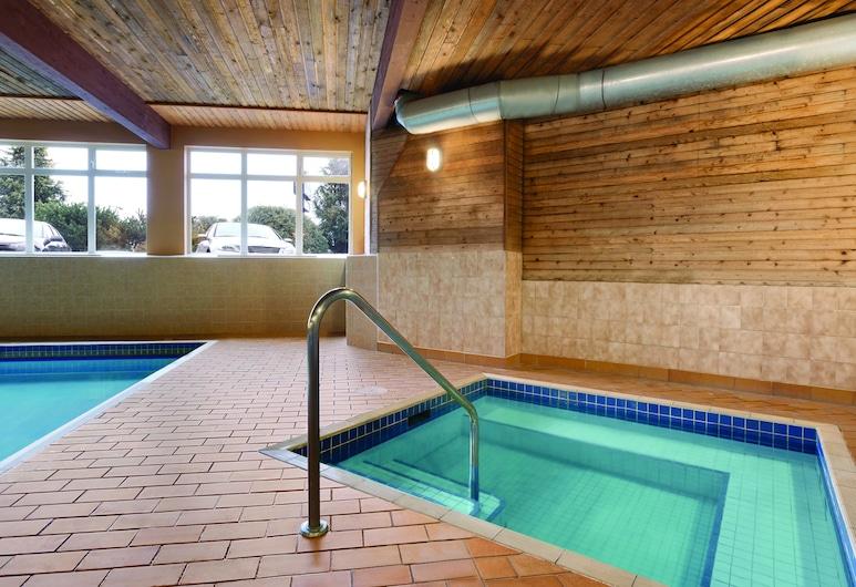 Days Inn by Wyndham Nanaimo, נניימו, אמבט ספא מקורה