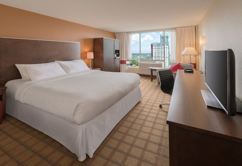 Four Points by Sheraton Niagara Falls Fallsview, Niagara Falls, Room, 1 King Bed, Non Smoking, City View, Guest Room