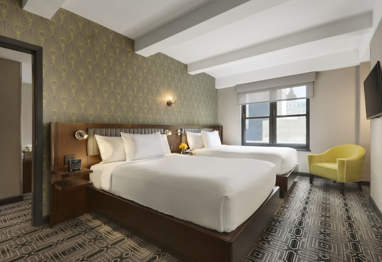 Hotel Edison, New York, Family Room, Guest Room View