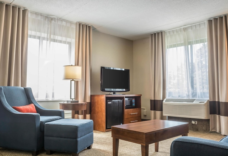 Comfort Inn The Pointe, Niagara Falls, Suite, Multiple Beds, Accessible, Non Smoking (Upgrade), Guest Room