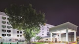 Choose This 2 Star Hotel In Capitol Heights