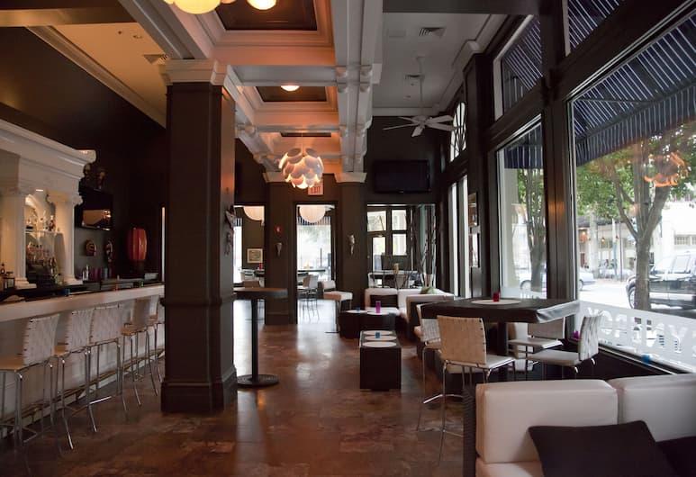 Lafayette Hotel, New Orleans, Hotel Bar