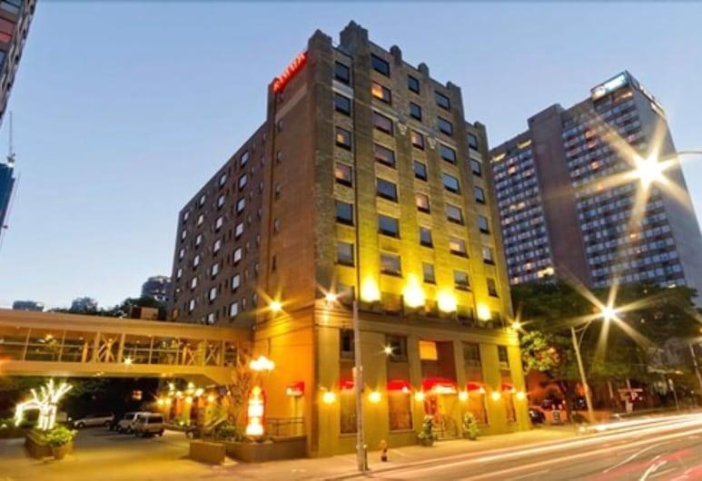 Ramada Plaza by Wyndham Toronto Downtown, Toronto, Facciata hotel (sera/notte)