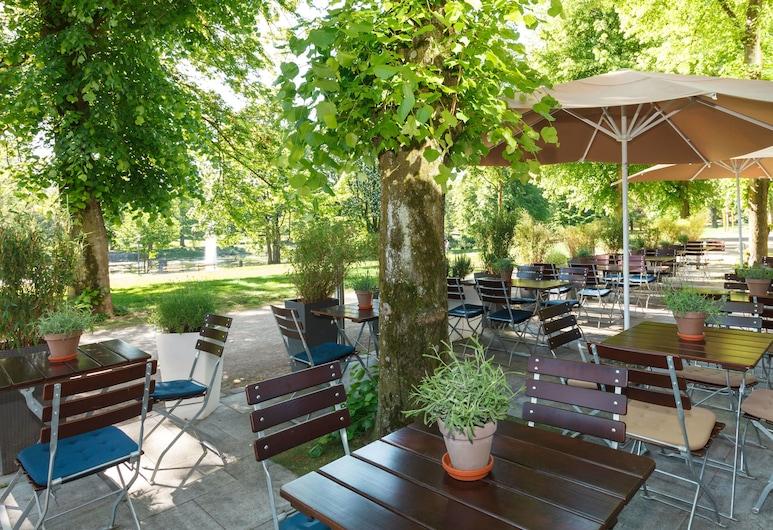 Sheraton Essen Hotel, Essen, Taras/patio