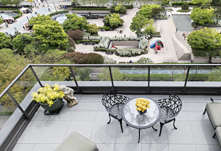 Wedgewood Hotel & Spa - Relais & Chateaux, Vancouver, Penthouse (12th Floor), City View