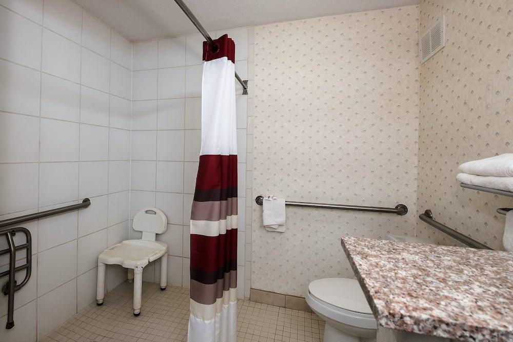 Pokoj typu Deluxe, 2 dvojlůžka, bezbariérový přístup, nekuřácký - Koupelna