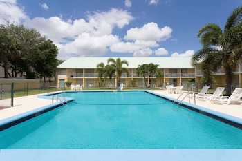 Enter your dates for our Vero Beach last minute prices