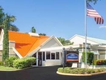 Picture of Howard Johnson Inn - Vero Beach / Downtown in Vero Beach