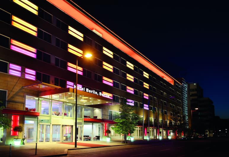 Hotel Berlin, Berlin, Berlin, Hotel Front – Evening/Night
