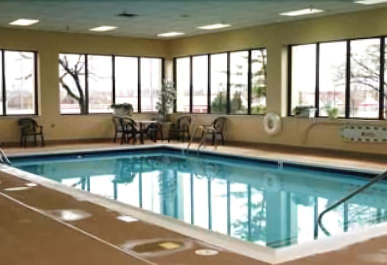 Baymont by Wyndham Indianapolis East, Indianapolis, Piscina
