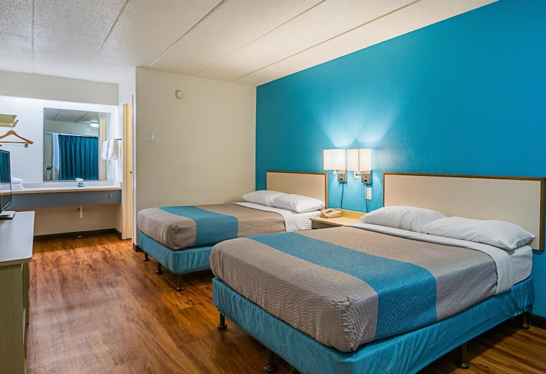 Motel 6 Knoxville, TN - North, Knoxville, Standard Room, 2 Double Beds, Non Smoking, Guest Room