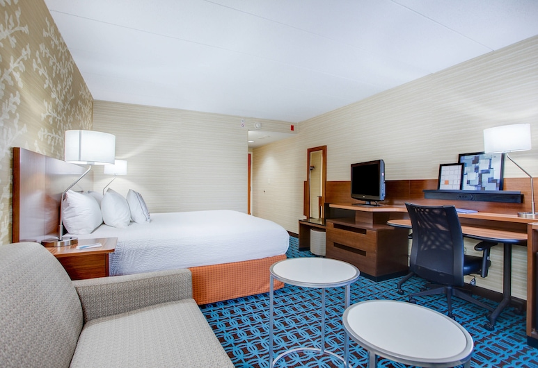 Fairfield Inn by Marriott Portsmouth-Seacoast, Portsmouth, Room, 1 King Bed, Non Smoking, Guest Room