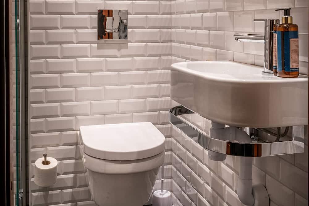 Captain´s Family Room (no window) - Bathroom