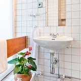 Captains Single Room - Bathroom
