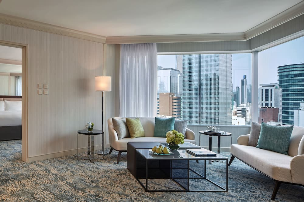 Executive Suite, 1 King Bed (Executive lounge access) - Living Room