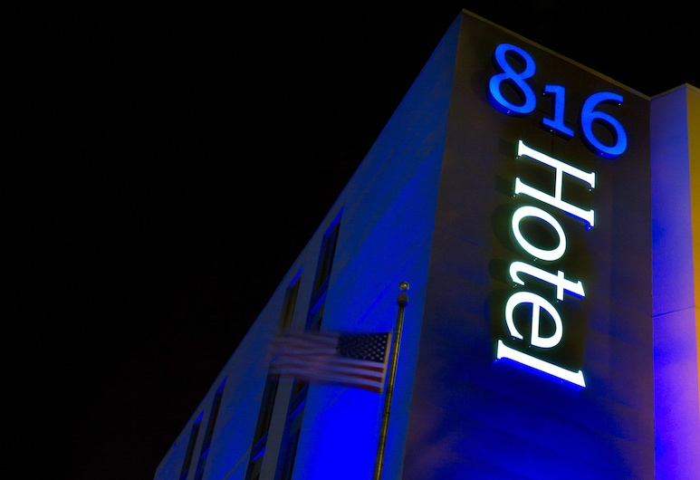 816 Hotel Westport Country Club Plaza, Ascend Hotel Collection, Kansas City, Hotel Front – Evening/Night